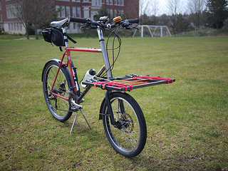 custom-bike-delivery-rack-from-metalshop-startup